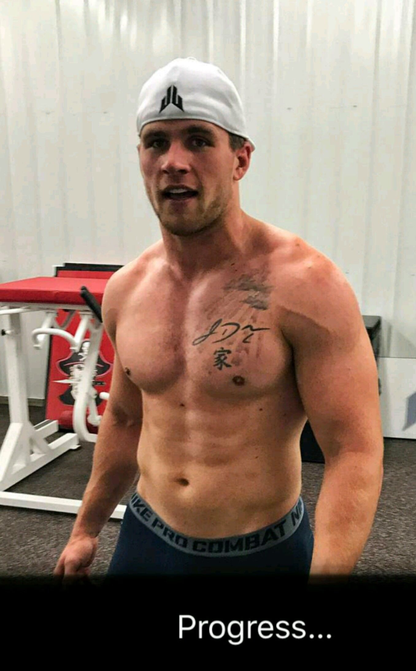 Tj Watt S Snapchat 3 12 17 Working Out At The Lodge Pewaukee