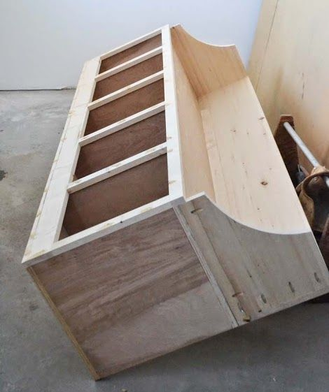 Teds woodworking plans review furniture plans easy diy for Mudroom cubby plans