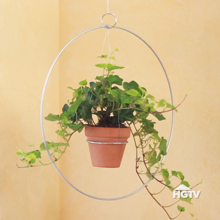 Photo of DIY Modern Hanging Planter – HGTV Handmade