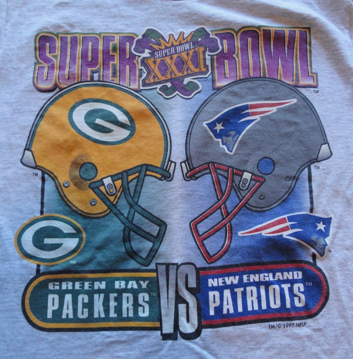 fd0c2b746 vintage Super Bowl XXXI t-shirt   Green Bay Packers vs New England Patriots    M by PolycoVintage on Etsy