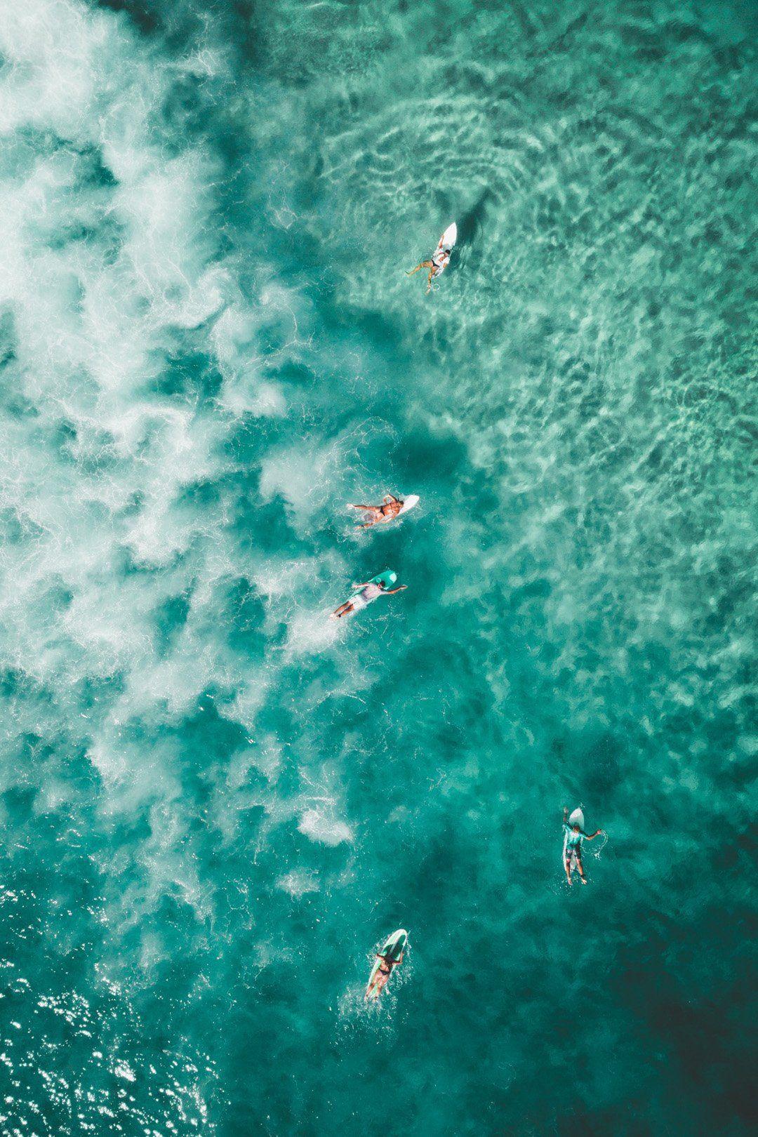 Pin By Ashley Beckschebe On Hintergrunde In 2020 Beach Wallpaper Beach Background Ocean Iphone