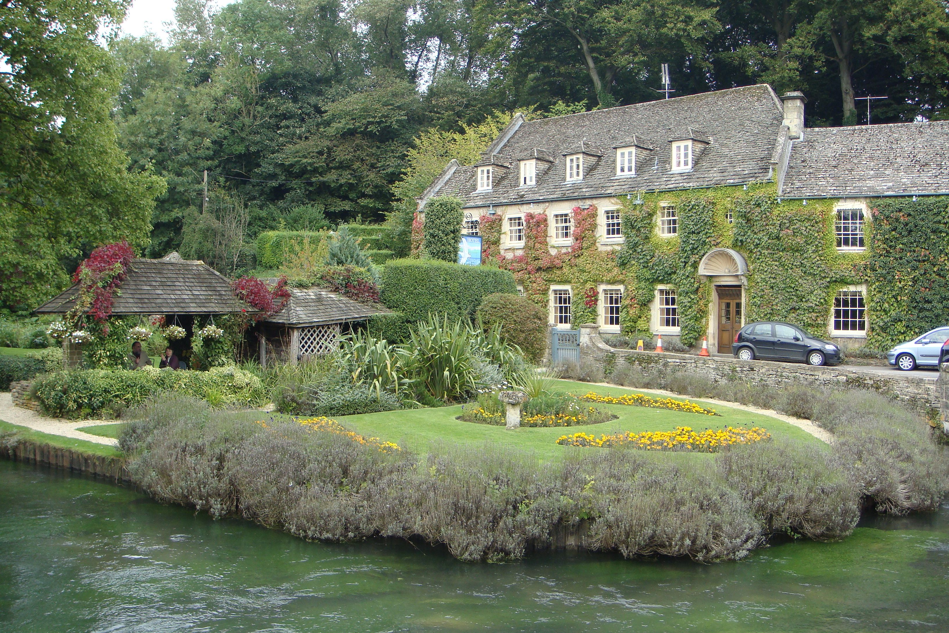 Where Are The Cotswolds Swan Hotel Bibury England