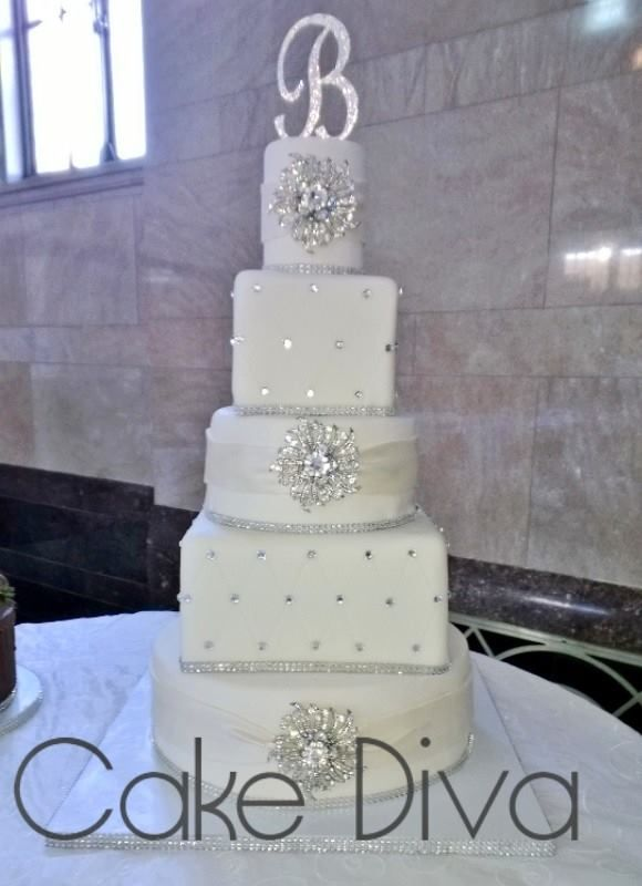 bling out wedding cakes blinged out wedding cake wedding cakes 11922