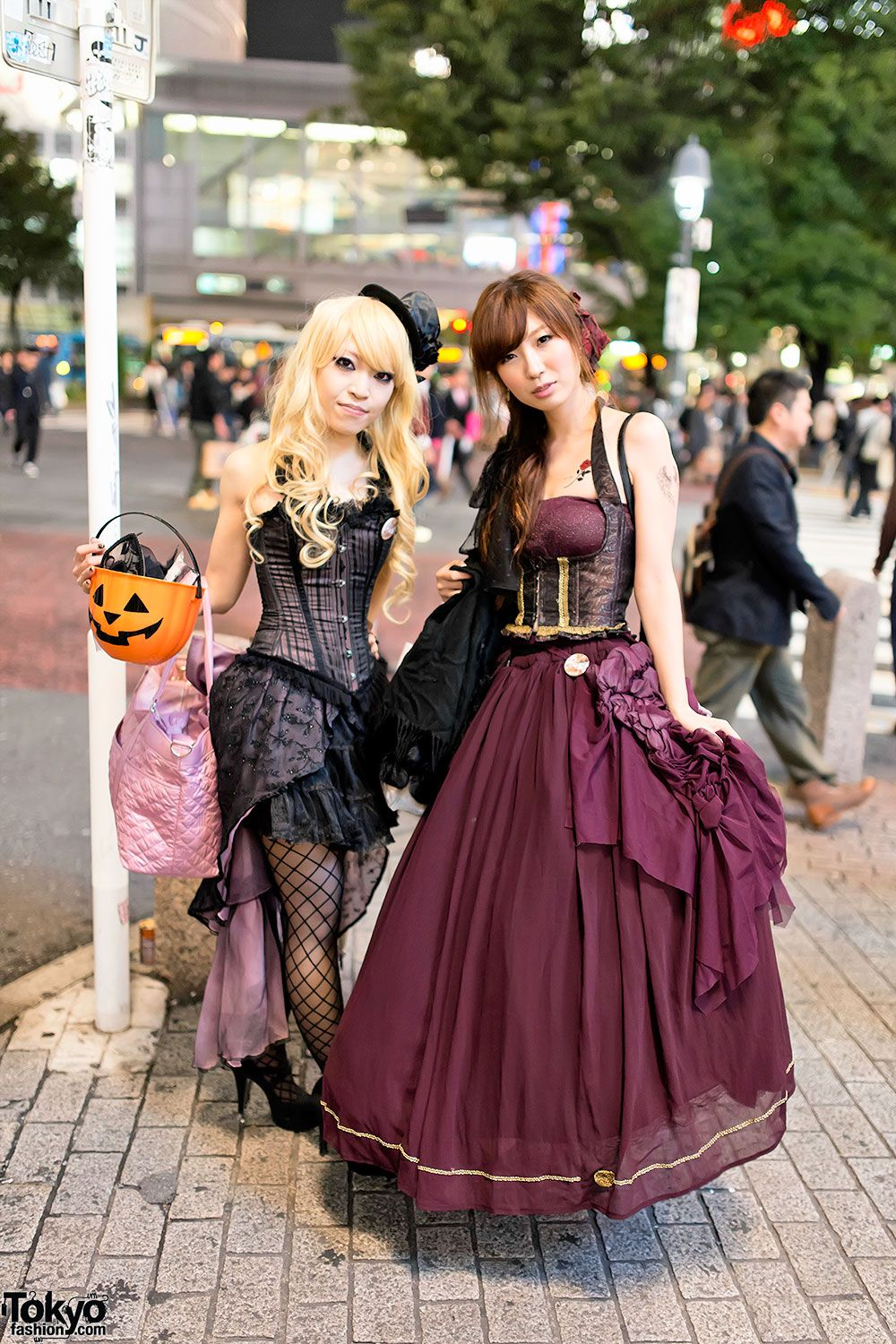Halloween in Japan - Shibuya Street Party Costume Pictures 2013 | 30 October 2013 | #Fashion #Harajuku (原宿) #Shibuya (渋谷) #Tokyo (東京) #Japan (日本)