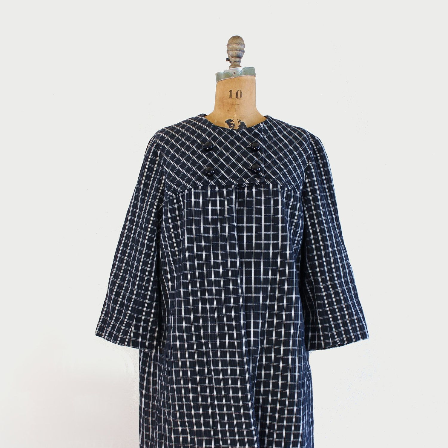 vintage 50s 60s swing coat - black & white checked plaid - $68 <3 the way it buttons up