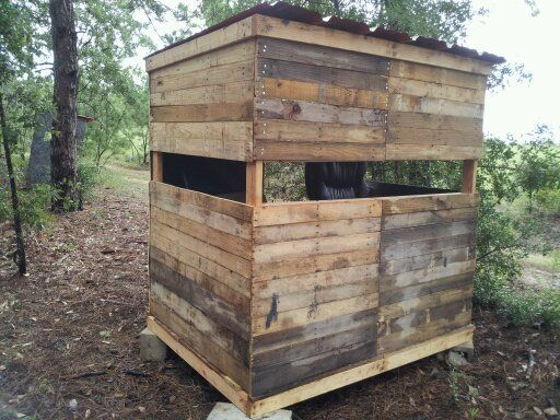Rustic pallet blind build page 2 texasbowhunter for Building deer blind windows