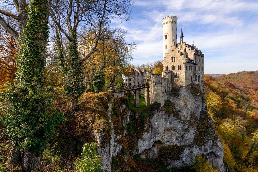 Let's travel the world! Lichtenstein Castle, Germany
