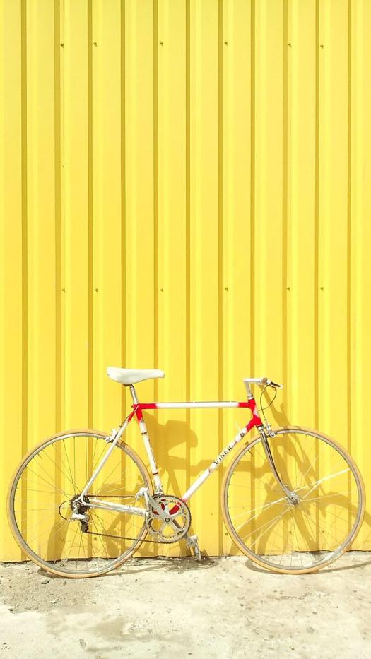 Yellow Minimalistic iPhone Wallpaper