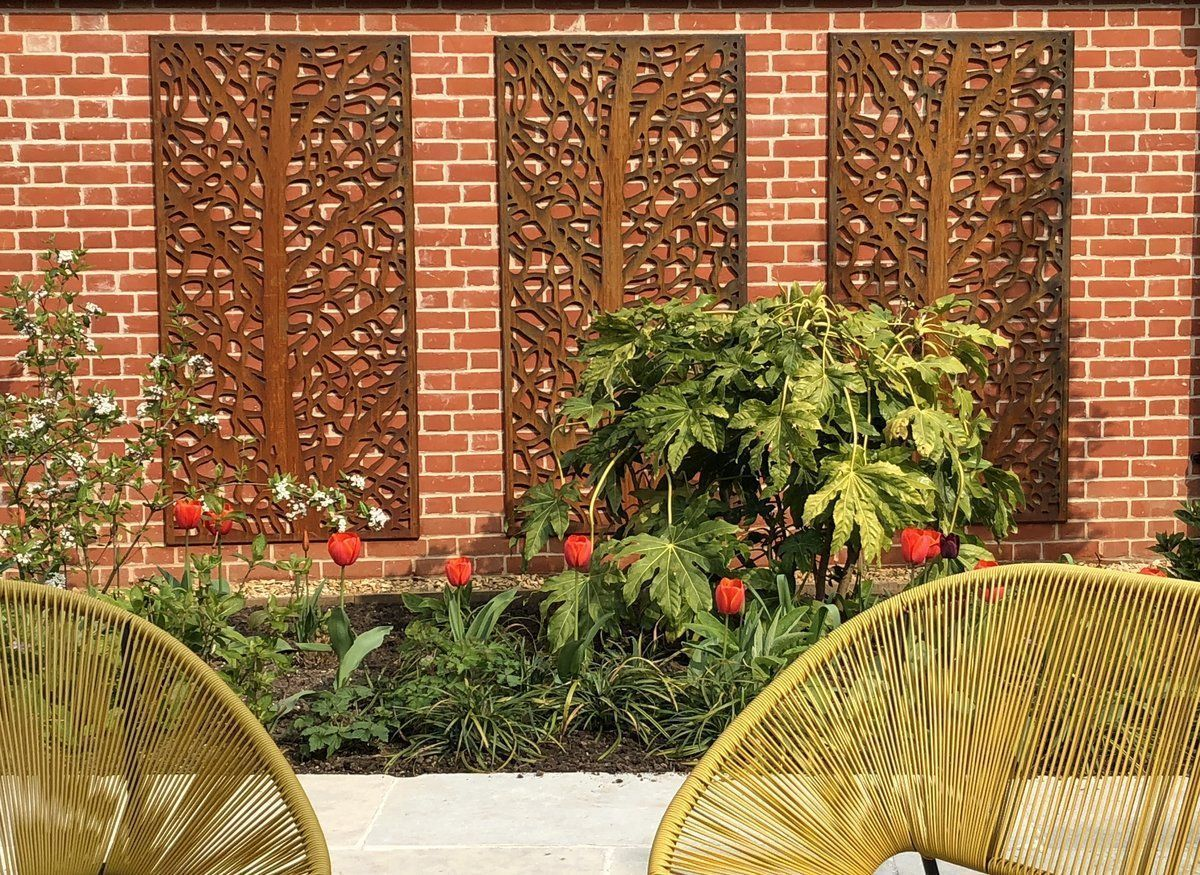 Outdoor Privacy Screen With Planter 3 Metre Trellis In Black Trade