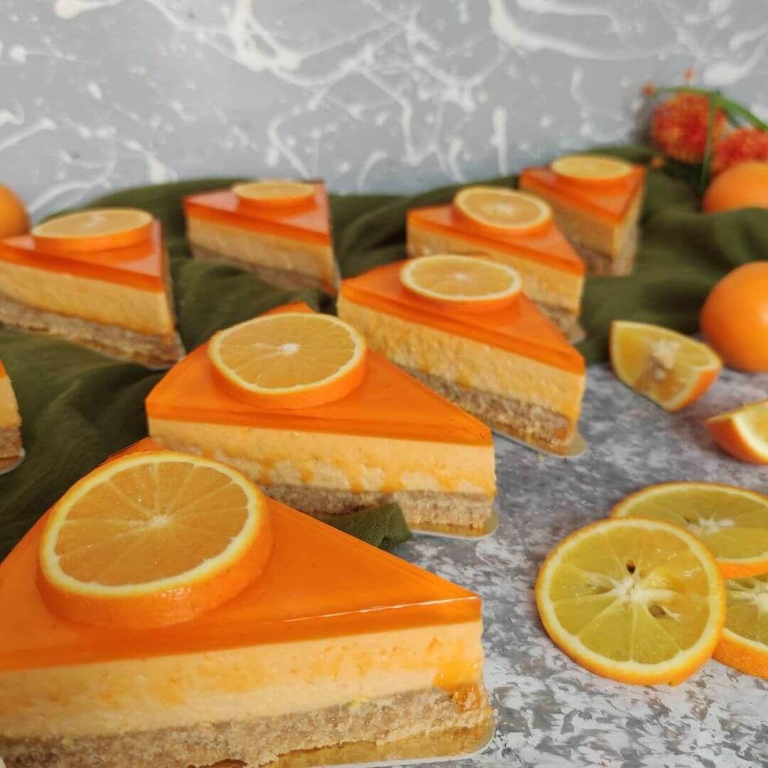 چیز کیک یخچالی پرتقالی طرز تهیه چیز کیک پرتقالی یخچالی طرز تهیه چیز کیک با ژله پرتقالی چیز کیک پرتقا In 2021 Orange Cheesecake Recipes Recipes Cheesecake Recipes