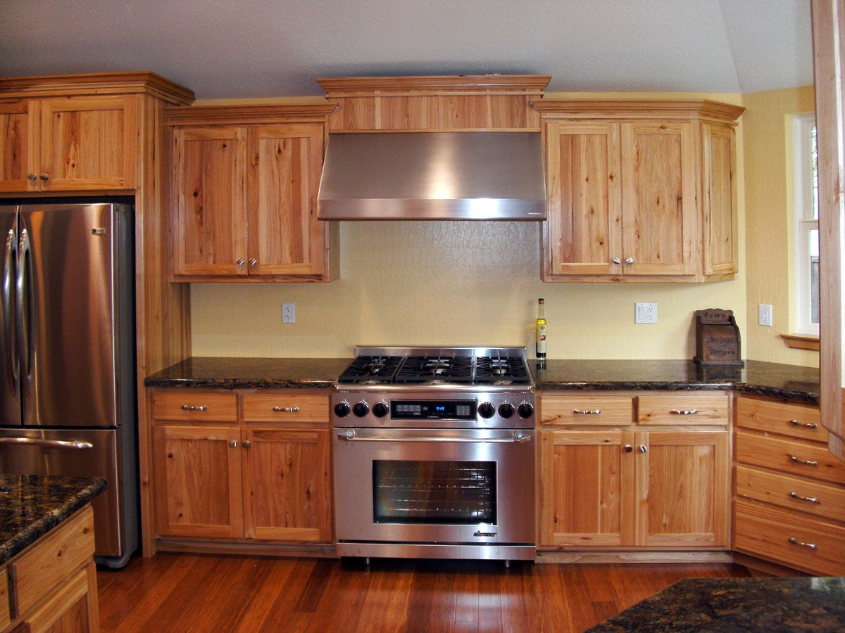 Kitchen Design Hickory Cabinets Custom Hickory Kitchen Remodel Kitchen Cabinets Have A Natural Finish