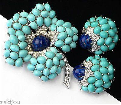 Vintage Boucher 3D Faux Turquoise Lapis Blue Glass Cabochon Flower Brooch Pin Set