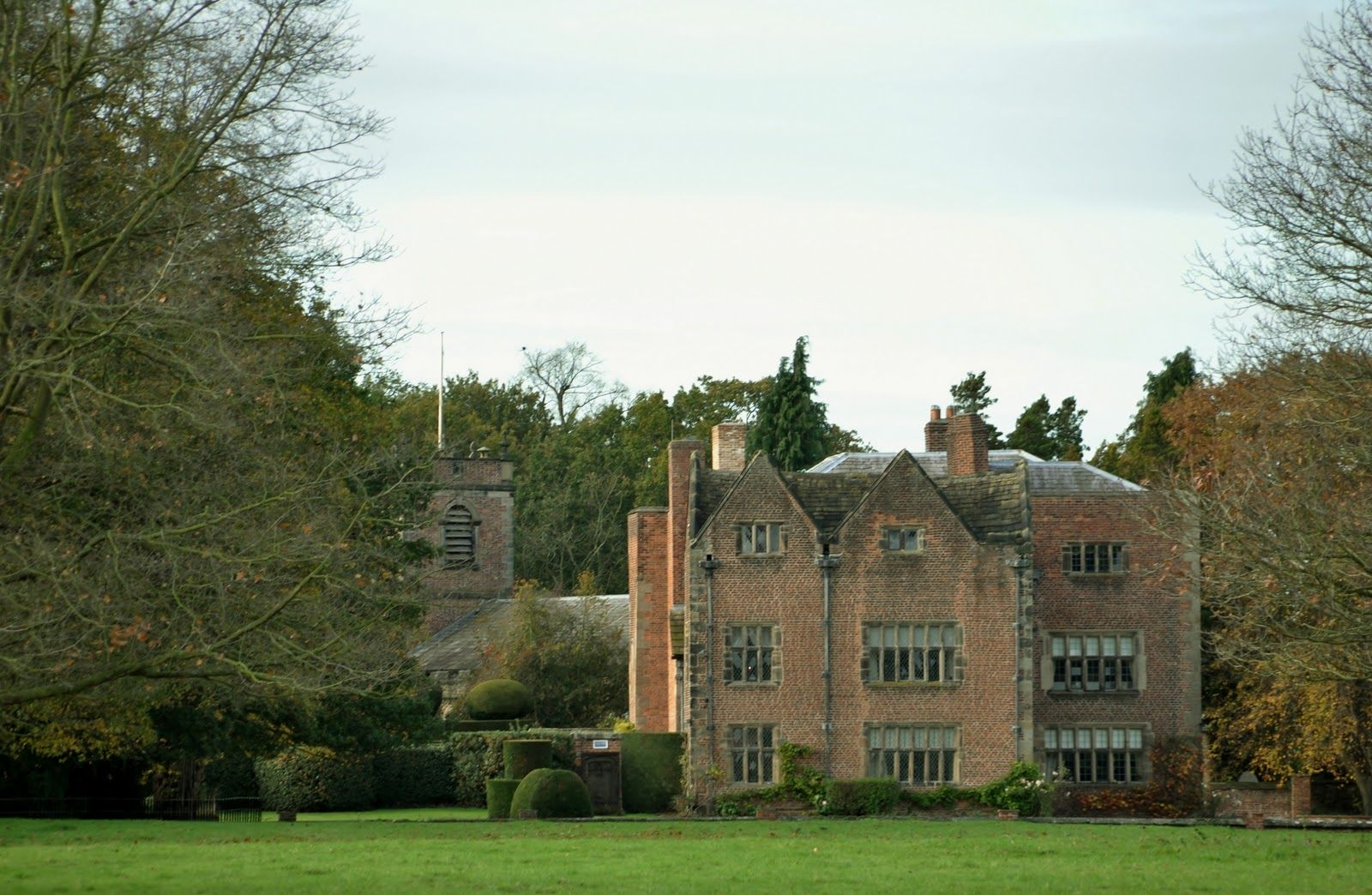 Peover hall peover hall is close to the radio telescope at jodrell