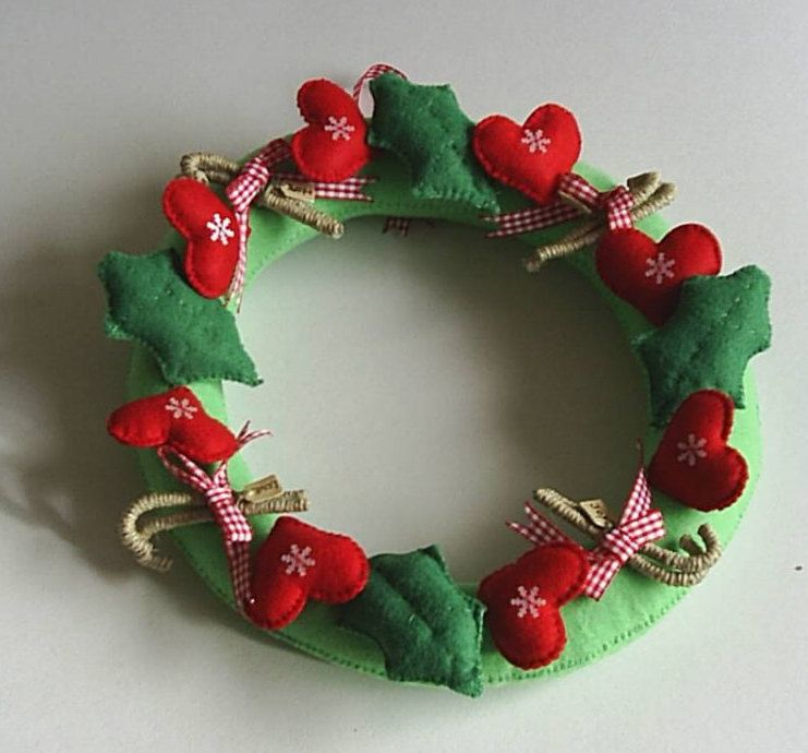 xmas holiday door wreath with red felt hearts,ribbon bows and twine cones,christmas wreath,felt decoration,door decor,HANDMADE BY FRALINE by fraline on Etsy
