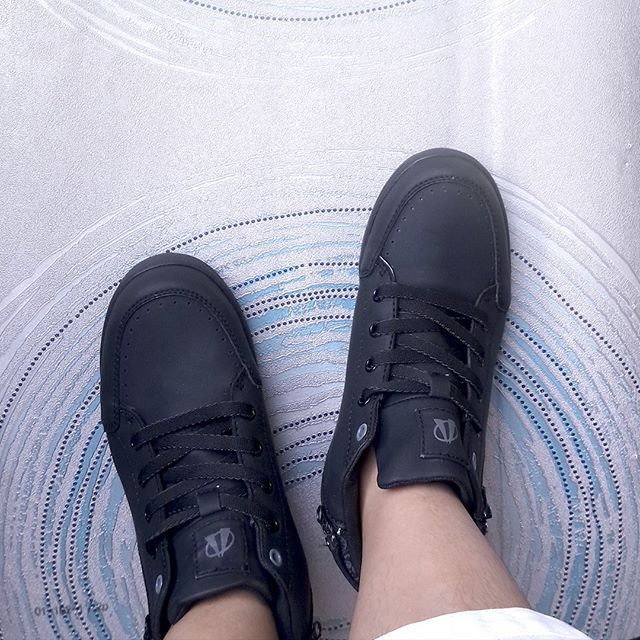 Dengan Memakai Produk Lokal Ardiles Sneakers Yang Memanfaatkan