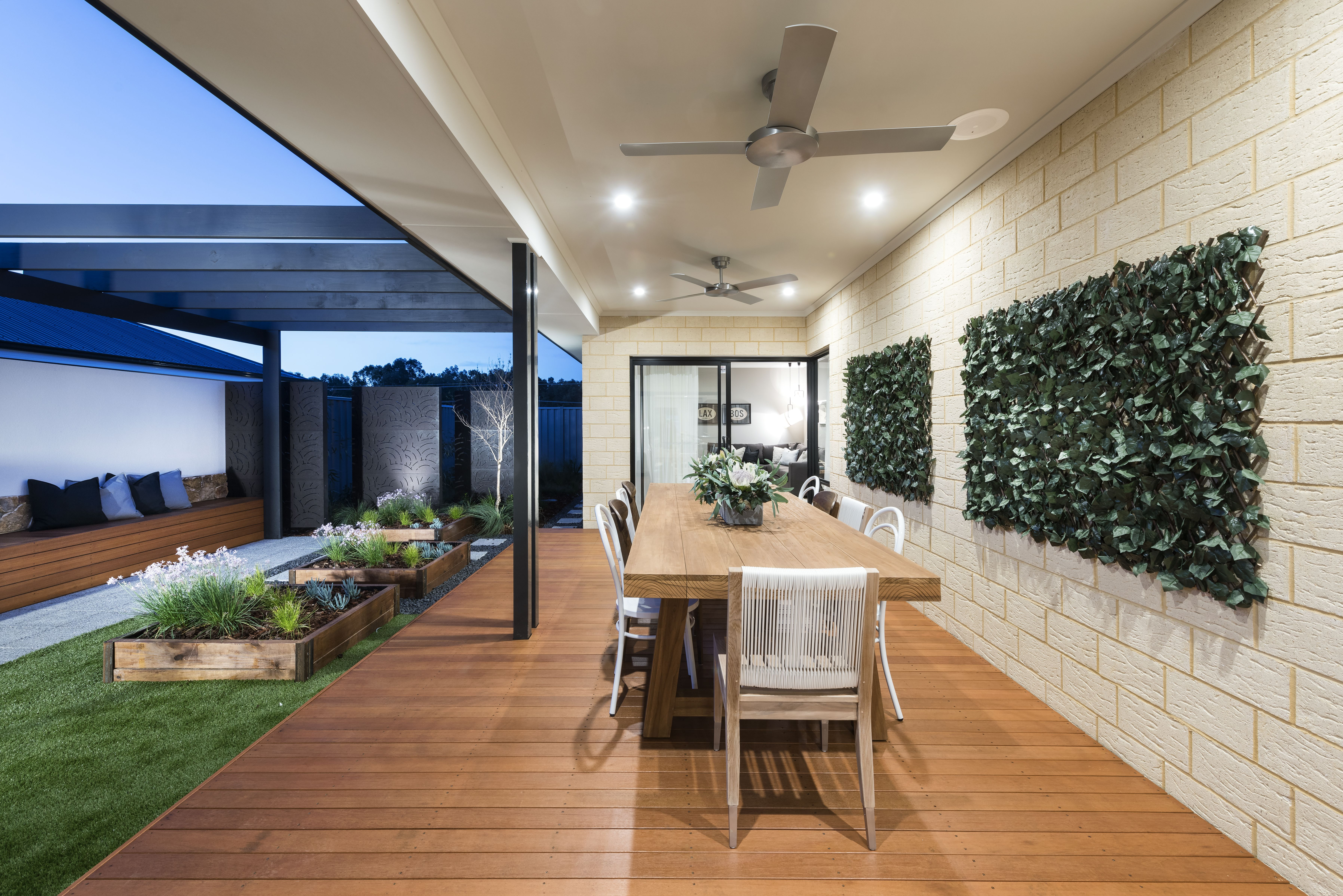 Cream Brick Exterior Ideas Outdoor Patio Designs Exterior Brick Exterior House Colors