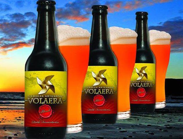 Casi un centenar de cervezas artesanales se elaboran ya en la provincia de Cádiz. La última en incorporarse es Volaera, que ya se elebora también aquí, en El Puerto de Santa María. Todos los detalles y la lista con todas las cervezas artesanales que se elaboran en Cádiz en en el enlace. http://www.cosasdecome.es/agenda/el-puerto-tiene-ya-tambien-cerveza-propia-volaera/#.VWwP50boB-w
