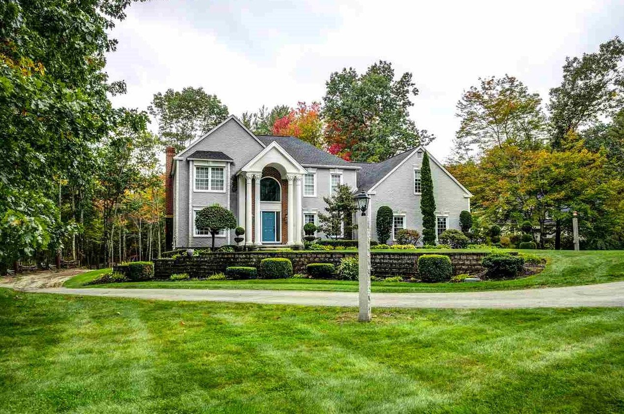 11 catesby ln bedford nh 03110 mls 4740382 coldwell