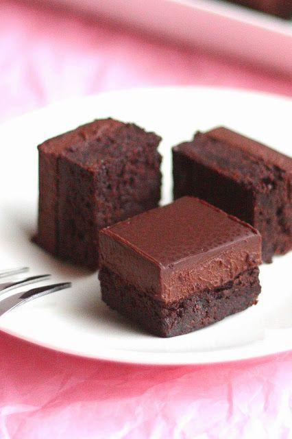 Suklaapossu: Suussasulavat brownies-palat fudgekuorrutteella
