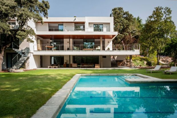 This Incredible Home Is A Warm Take On Modernism - Airows