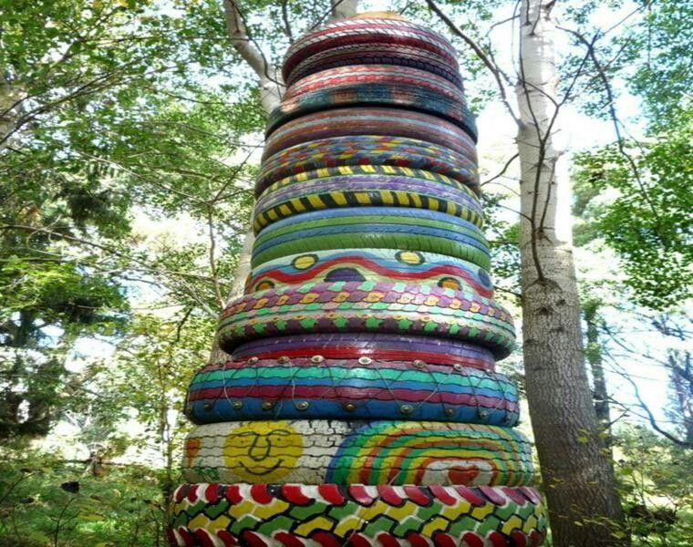Columnas de neumaticos reciclados...
