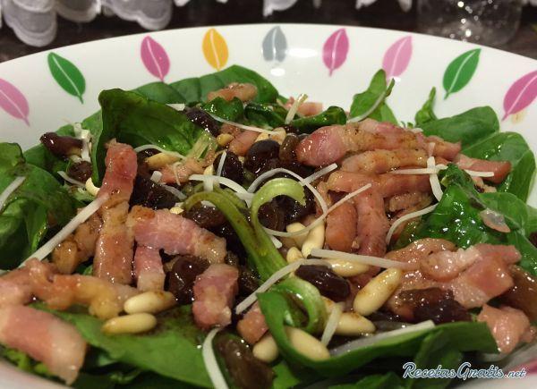 Ensalada de espinacas y bacon