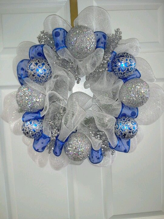 Blue and silver christmas wreath Christmas - blue Pinterest