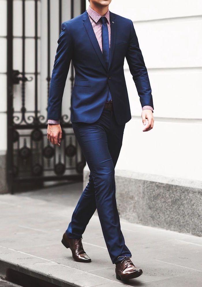 le costume bleu marine homme l gance et sobri t. Black Bedroom Furniture Sets. Home Design Ideas