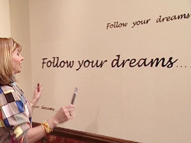 How To Decorate Your Wall With Words Learn How To Trace And Paint A