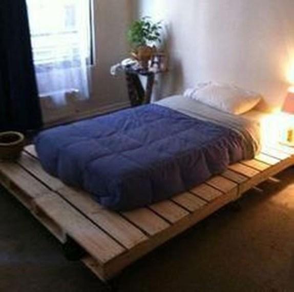 29 DIY ideas de diseño de dormitorio con cama de paleta in