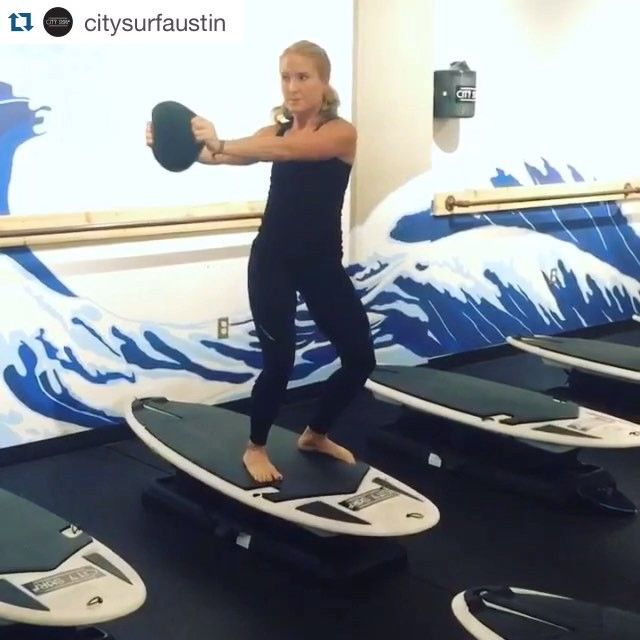 Set your ⏰'s! #Hyperwear #SandBell #beachbody #bigkahuna  #Repost City Surf Fitness Austin ・・・ Beach Body Bootcamp & Big Kahuna Instructor Laura Courty (@lolac624) doing a little pre-class prep! Catch Laura Tu/Th @ 6AM, 530PM, & 630PM & now Fridays at 530PM & 630PM! #CitySurf #NoBadDays #ATX #Austin #Fitness #FitFam #Bootcamp #Strength #Training #Balance