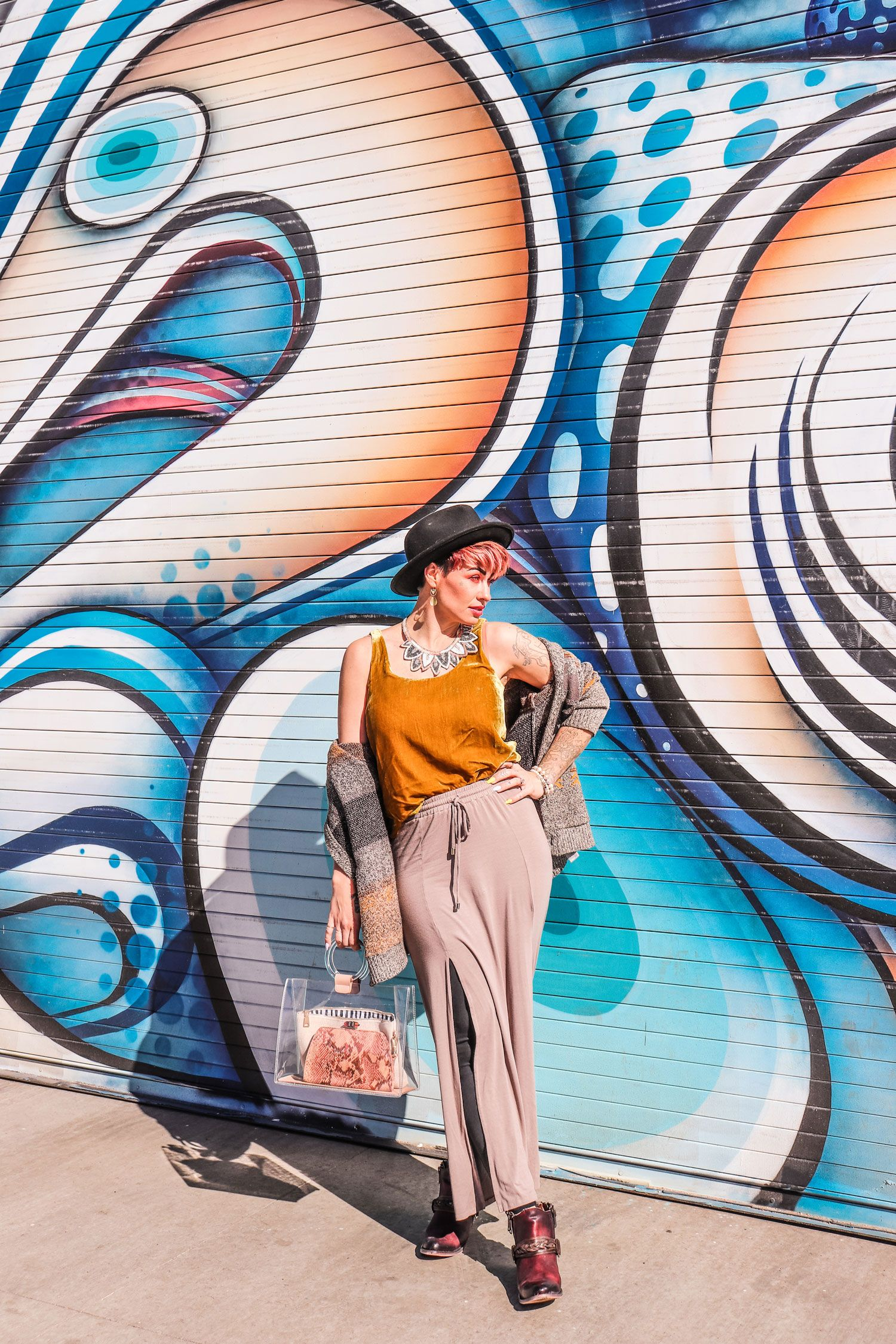 I Ve Got An Exciting New Job Helping Connect The Colorado Fashion Community Colorado Fashion Join Fashion Traditional Fashion