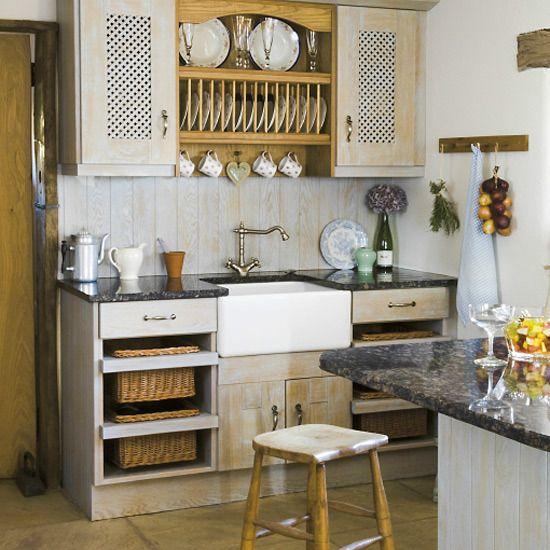 1920s Farmhouse Kitchen   New Home Interior Design: Traditional kitchen decorating ideas