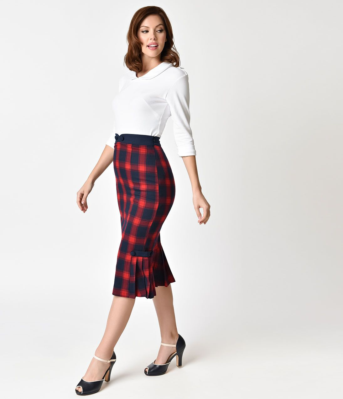 1950s Skirt Styles & History Voodoo Vixen 1950s Style Red Plaid Pleated  Frenchie Pencil Skirt $52.00