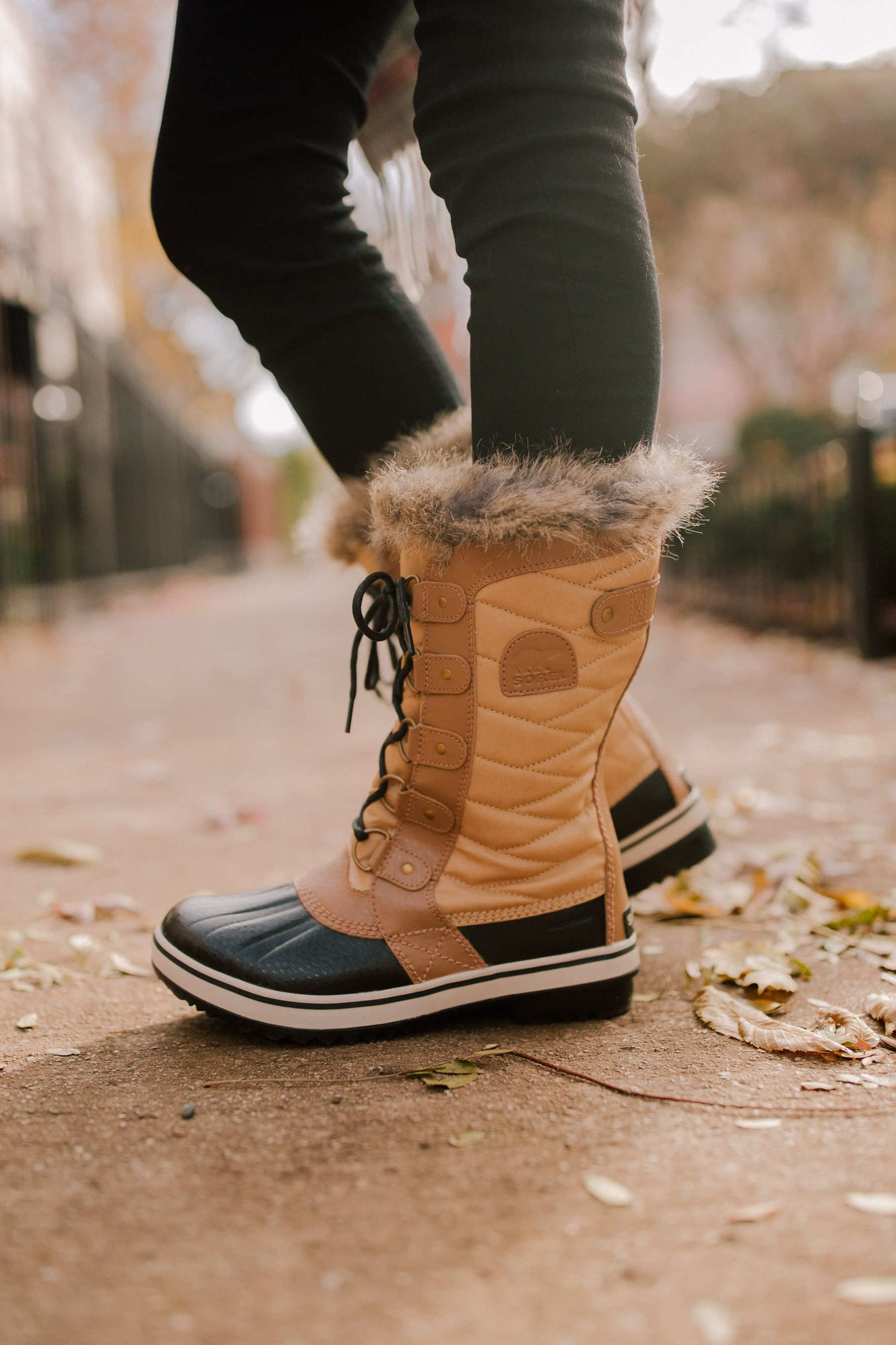 898d5cd644fa Sorel Tofino II Boots - Kelly in the City
