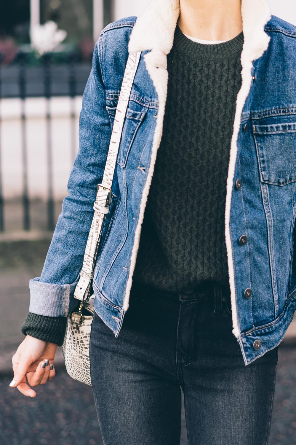 The Perfect Outerwear For Exploring Notting Hill This Shearling Lined Jean Jacket From Paige Is A Winner Jean Jacket Outfits Fashion Sherpa Lined Denim Jacket [ 1500 x 999 Pixel ]