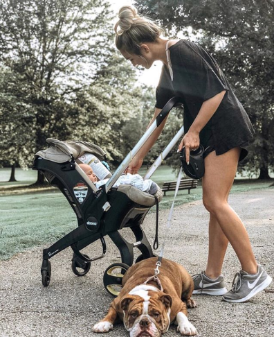 The new doonausa goes from car seat to stroller in