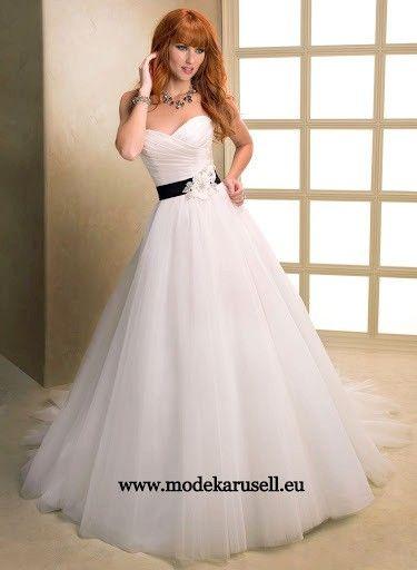 Corsage Brautkleid mit Schärpe | Hochzeitskleid | Pinterest ...
