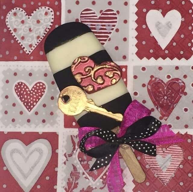 Pin by Ana Parra on paletas Magnun decoradas | Valentine cake, Magnum chocolate, Chocolate pops