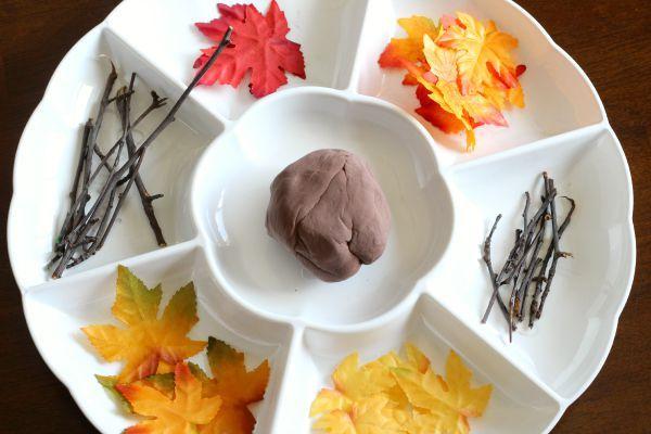 Fall Tree Play Dough Invitation #falltrees