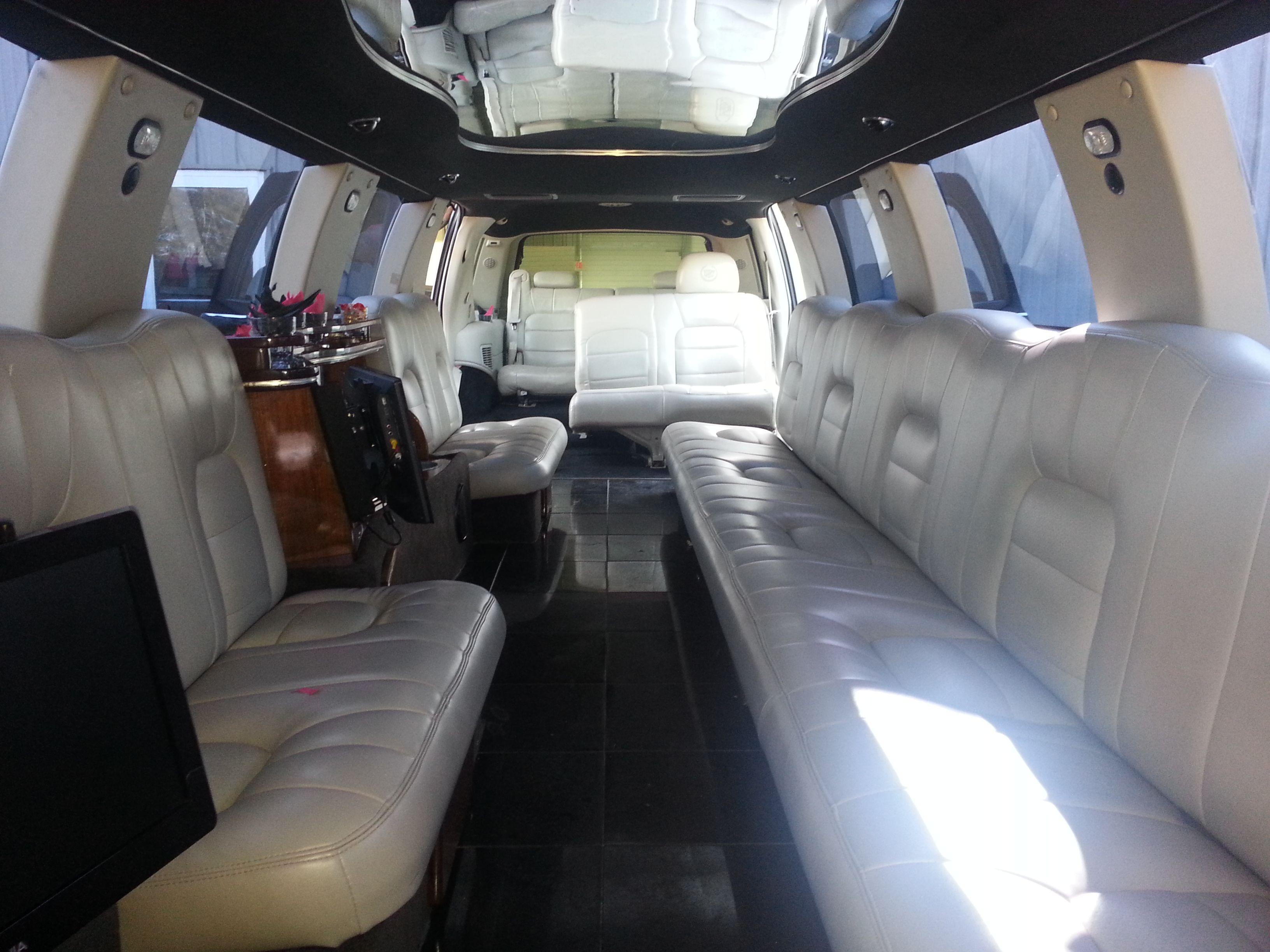 20 Пассажир Cadillac Escalade Stretch Limo Cape Cod