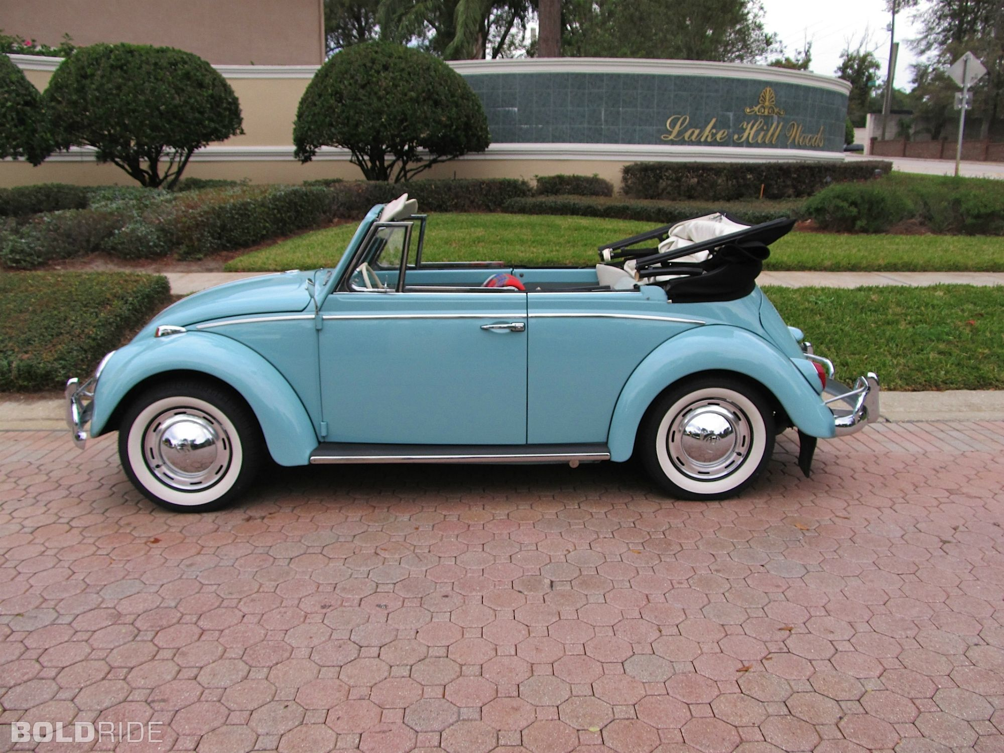 volkswagen beetle cabriolet vehicles from the year i was. Black Bedroom Furniture Sets. Home Design Ideas