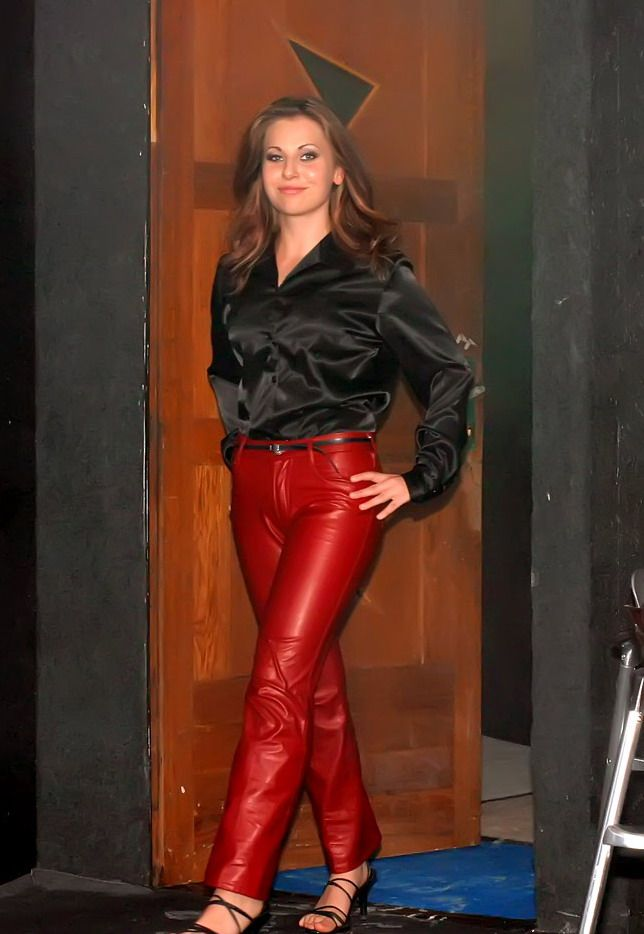 shiny leather butt Amateur pants