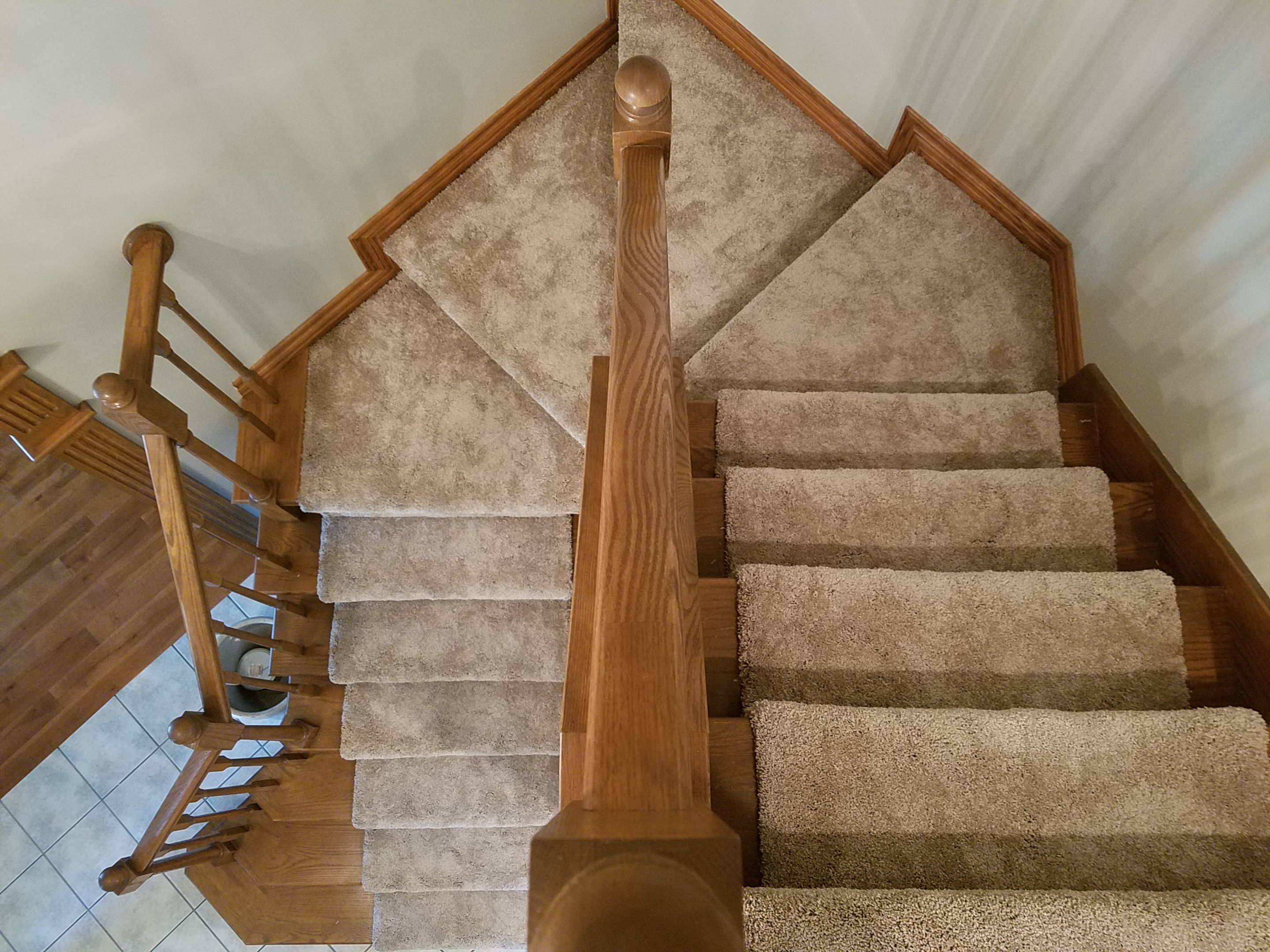 Best Lovely Staircase With Dreamweaver Carpet Light Colored 640 x 480