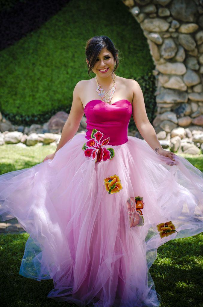 Alejandra xv a os tela tul novia y tafeta strech tipo for Disenos de faldas