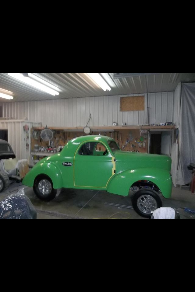 Mo on green Willys