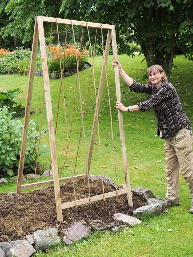 Build Folding A-Shaped Bean Frame Instructions – Allotment & Gardens