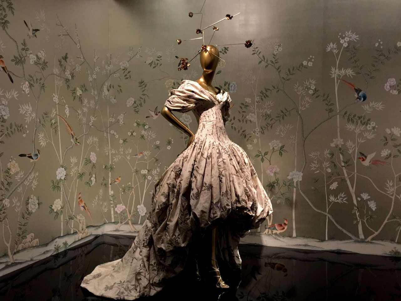 Bodyfluids Alexander Mcqueen F W 2006 Shown At Long Live Mcqueen Fashion Flower Dresses Fashion British Fashion Awards