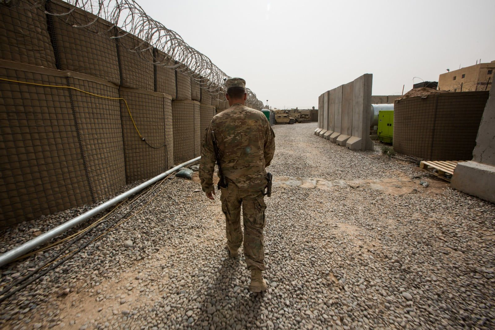 Rare Photos Show Life Inside A Us Military Base In Iraq Military