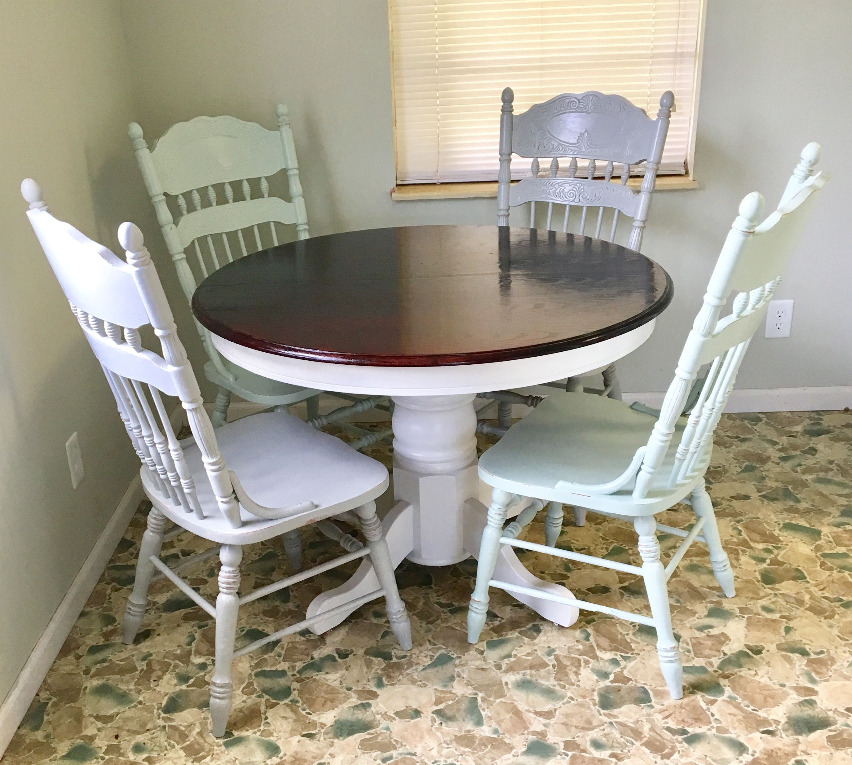 Before And After Round Oak Table Makeover Redo Upcycled
